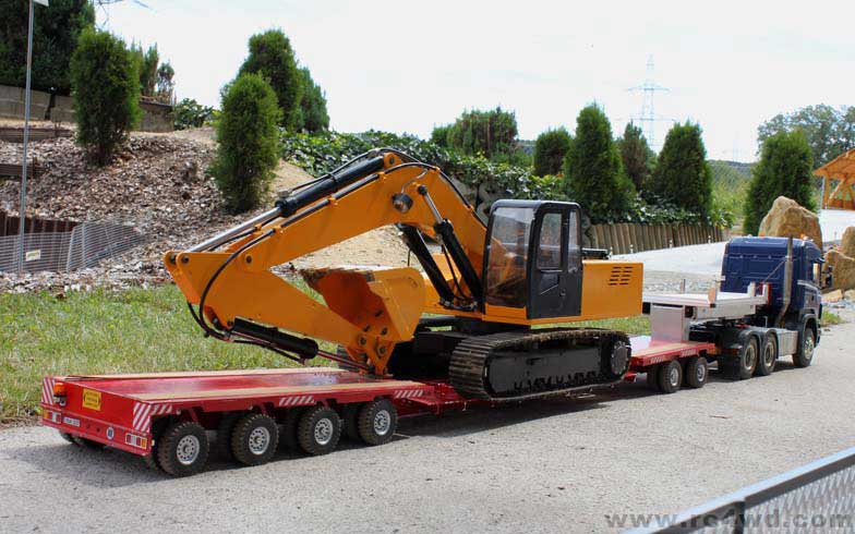 L'avez vous vue? 1/12 Scale Earth Digger 4200XL Hydraulic Excavator (RTR) IMG_2654