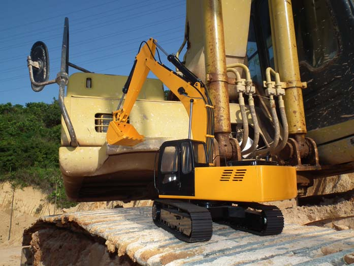 1 12 Scale Earth Digger 4200xl Hydraulic Excavator Rtr