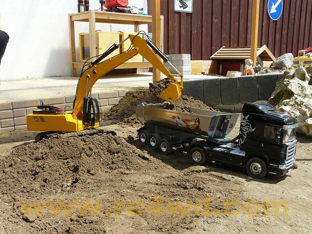 remote control construction for adults with 112 Scale Earth Digger 4200xl Hydraulic Excavator Rtr Version 20 P 1587 on Watch furthermore Top Best Remote Control Car For Kids Reviews besides Cat Rc Excavator additionally Vex Iq Robotics Construction Kit besides Chevy Power Wheels Parental Remote Control Ride On Truck.